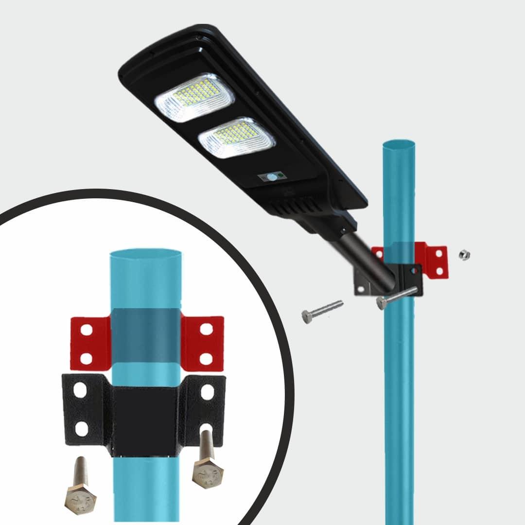 Supporto per installare il lampione sul palo da terra